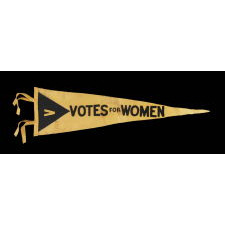 TRIANGULAR FELT SUFFRAGETTE PENNANT, IN A RARE SIZE AND FORM WITH AN ELONGATED PROFILE, 1910-1920