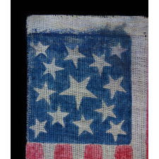 ANTIQUE AMERICAN PARADE FLAG WITH 13 STARS, 1861-1876 (CIVIL WAR – CENTENNIAL ERA), FEATURING THREE SIZES OF STARS IN A MEDALLION PATTERN