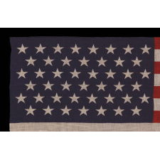 45 STARS IN STAGGERED ROWS ON AN ANTIQUE AMERICAN PARADE FLAG OF THE 1896-1908 PERIOD, SPANISH-AMERICAN WAR ERA, REFLECTING UTAH STATEHOOD